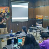 Hendra di Pelatihan workshop digital internet marketing