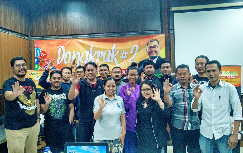 Pelatihan workshop digital internet marketing foto bersama peserta